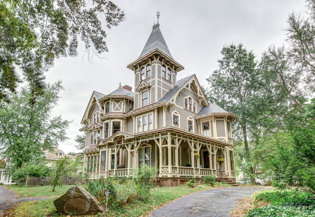 154 E Grand Ave New Haven Ct 06513 Mls N10213892 Zillow Gothic House Victorian Homes Mansions
