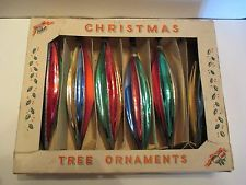 VINTAGE SET OF GLASS CHRISTMAS ORNAMENTS IN BOX