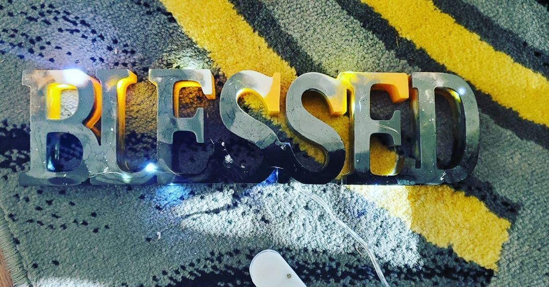 #blessed #resin #blessedsigns #homedecor #interiordesigner #crafts #christmasgiftsideas #shoplocal #smallbusinessowner #nightstand #creativity