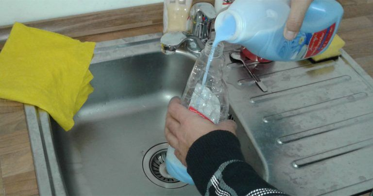 How to remove dirt and odor out of your washing machine