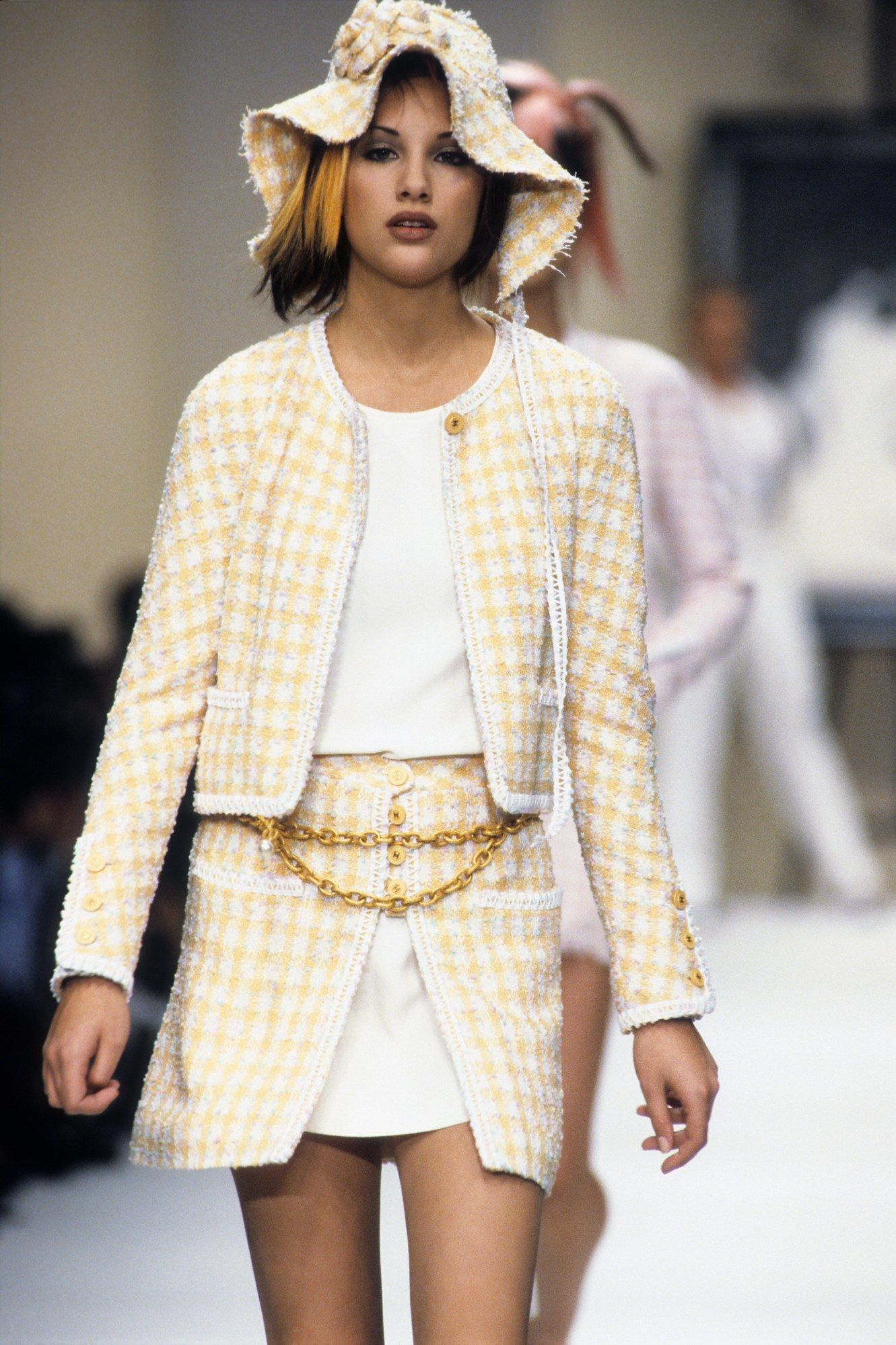 Chanel Spring 1994 Ready-to-Wear Fashion Show