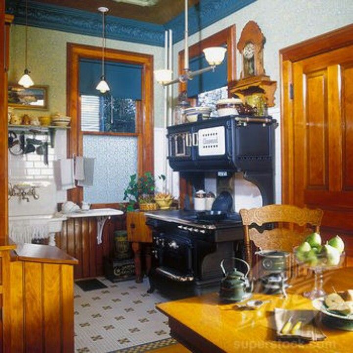 Restored 1916 Glenwood Stove~ Victorian Style Kitchens