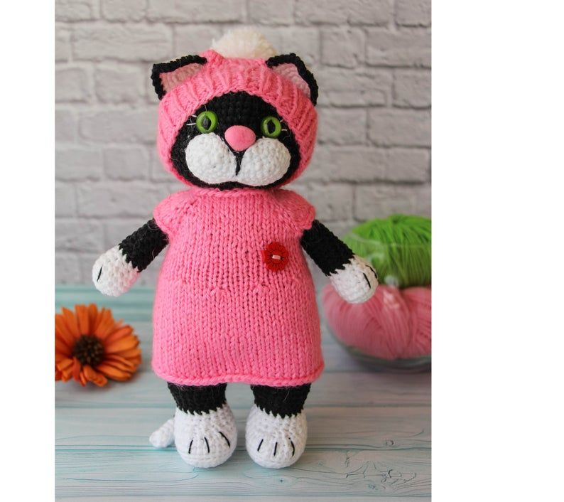 AmiCats Tuxedo Cat amigurumi crochet pattern | Crochet cat, Cat ... | 706x794