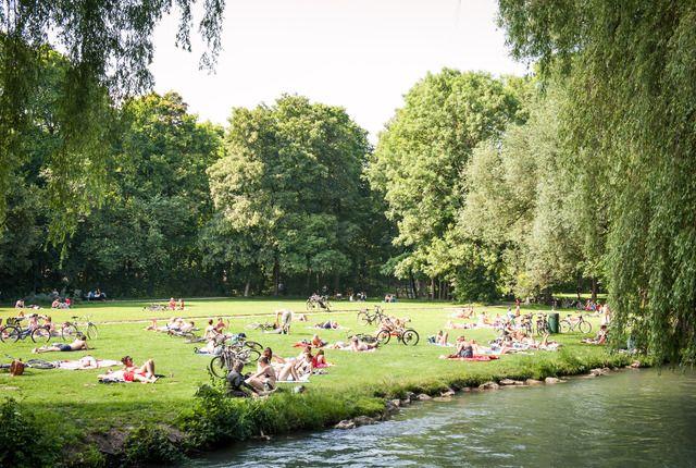 Munich S Prettiest Park Park Landscape Romantic Places English Garden
