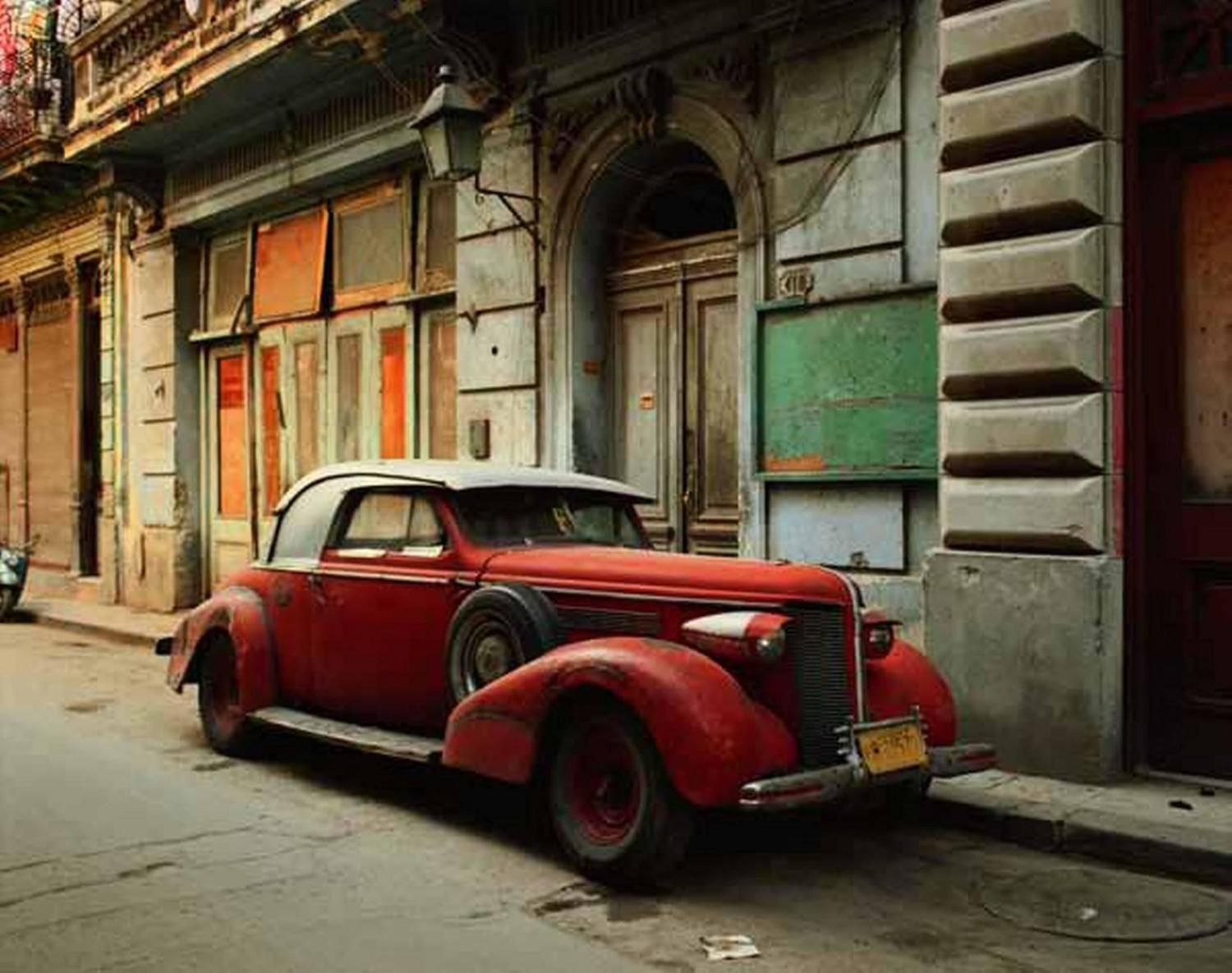 Vintage Car with Composite Parts, Havana 1997. Photography by Robert ...