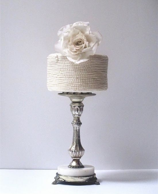 maggie austin mini pearl cake how insanely divine stylish is this ladys