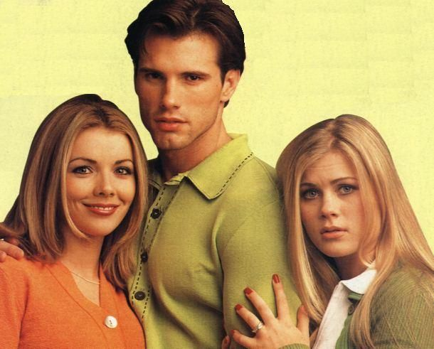 Austin, Carrie and Sami - one of the best love triangles of the 90s soap operas!