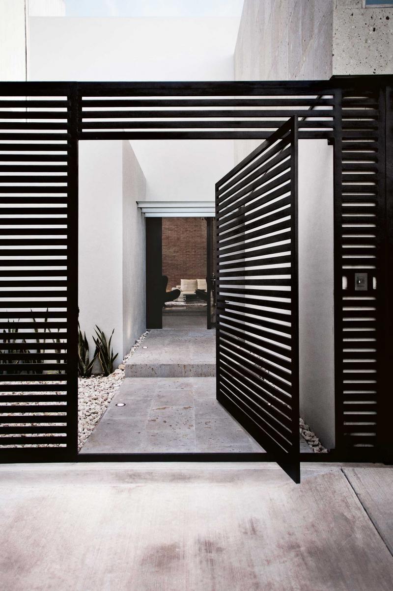 Haus design eingangstor buyerus guide to fencing  zäune türen und architektur