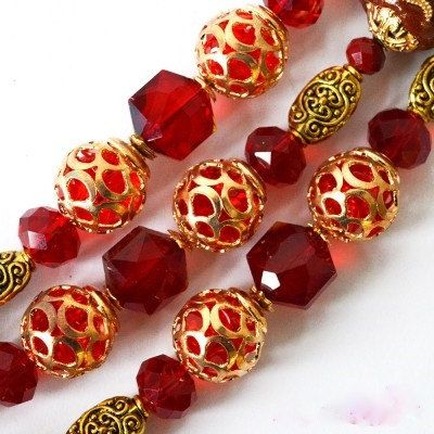 Hey, I found this really awesome Etsy listing at https://www.etsy.com/listing/483298304/jesse-james-beads-crimson-splendor3-red