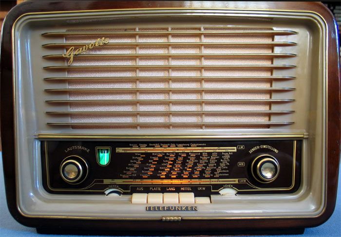 Telefunken Gavotte55 A Compact Valve Radio For City Technik