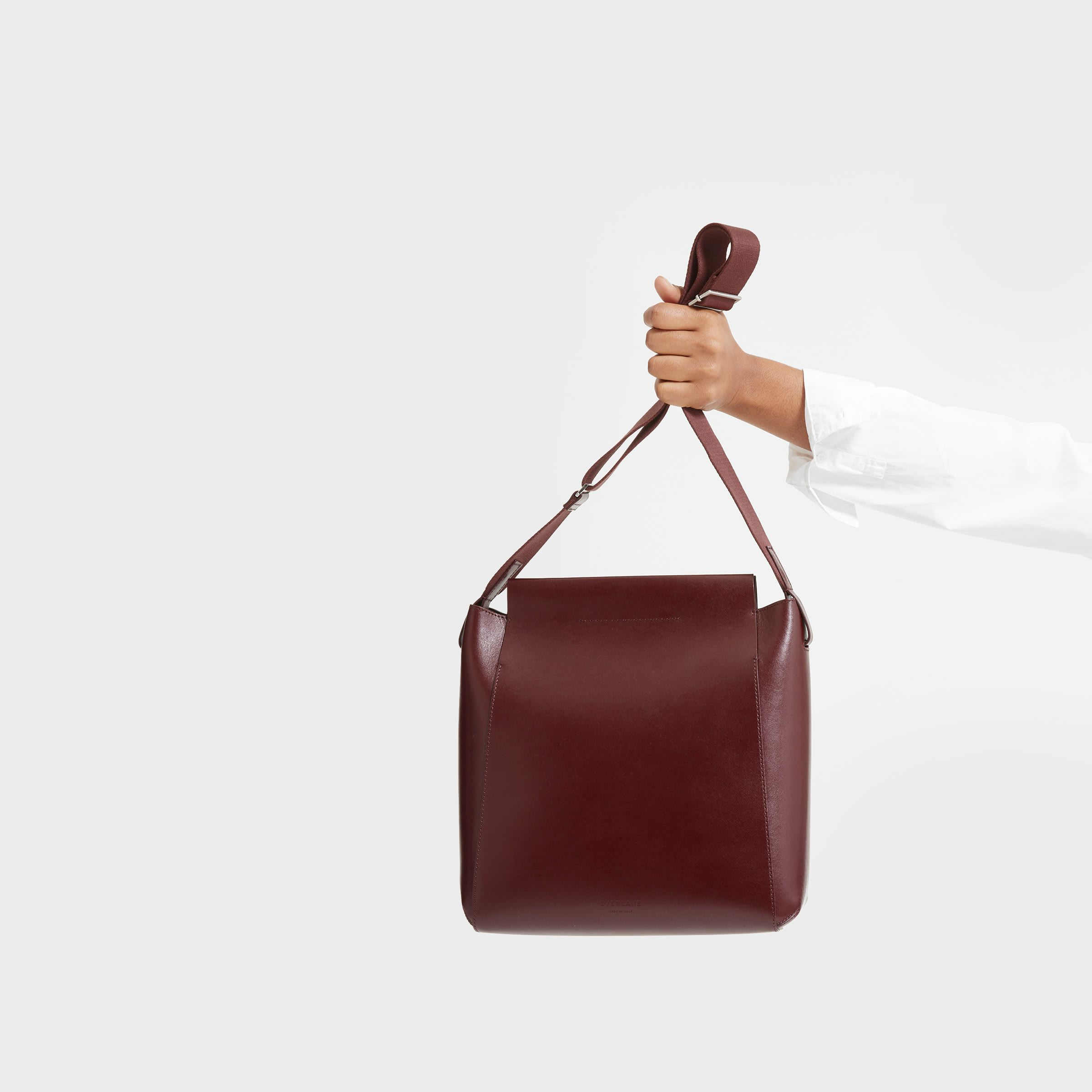 2c45a9d81 Shop Everlane now for a custom curated collection of women's Italian leather  handbags and small goods, made in Italy. Free U.S. shipping on first order,  ...