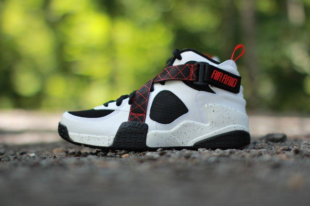 Nike Air Raid White Black University Red  46ec9f340400