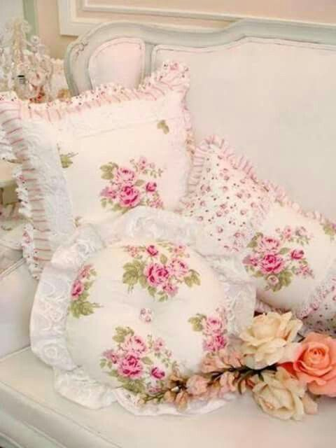 so pretty decorative pillows pinterest shabby chic shabby chic kissen und shabby. Black Bedroom Furniture Sets. Home Design Ideas