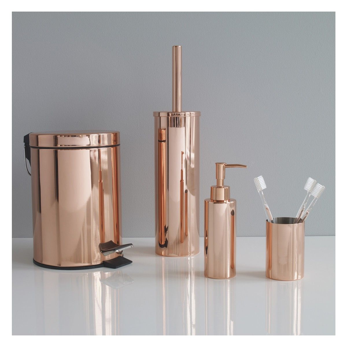 Photo of COLLIER Copper mirror finish metal bathroom beaker
