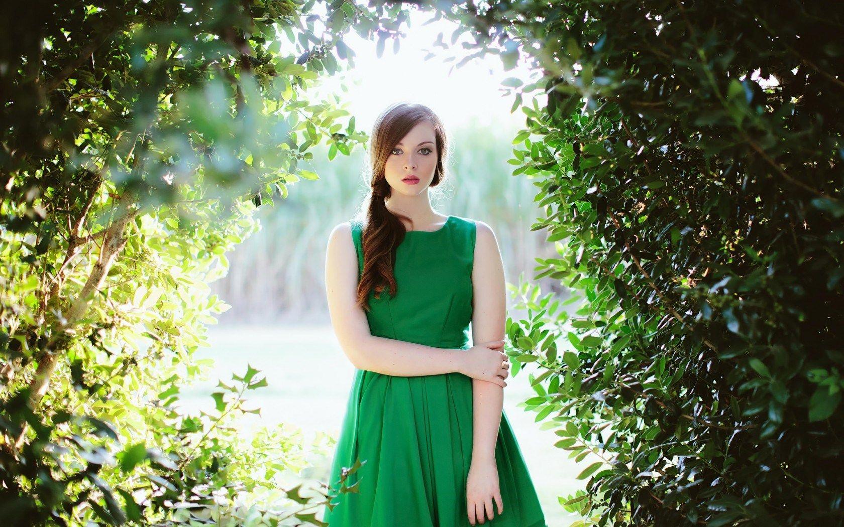 Lovely Girl Model Green Dress Hd Wallpaper Freehdwall Nice