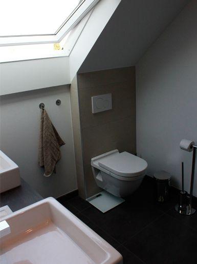 badkamer onder schuin plafond - Dagmar Buysse   hang-wc   Pinterest ...