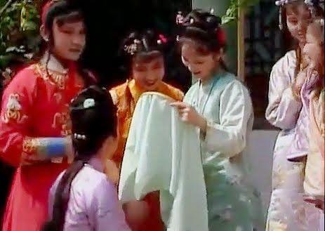 Сон в красном тереме / Hong lou meng [1987]. Embroidery in the film