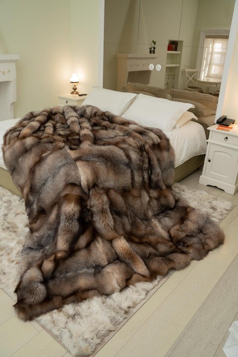 Mural Of Pretty Faux Fur Blanket Queen Giving The Warmth For Everyone Faux Fur Blanket Faux Fur Throw Fur Blanket