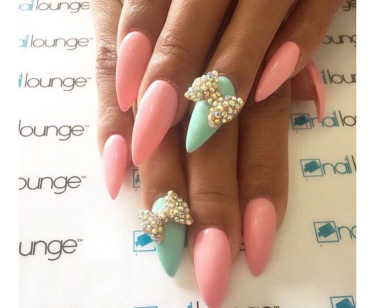 Spring colors with a bow