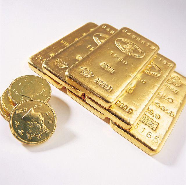 Gold Bars And Coins Lingotes De Oro Monedas De Oro Invertir En Oro