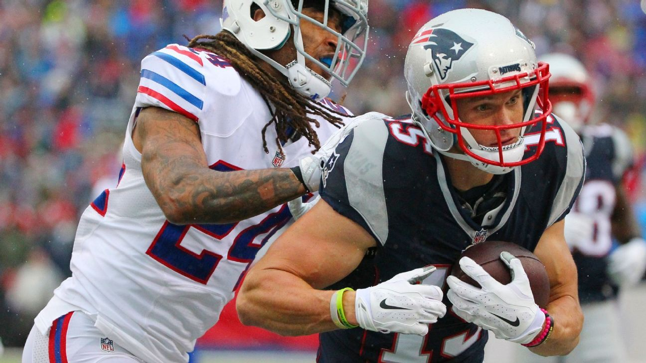 How Wr Chris Hogan S Absence Affects Patriots Offense New England Patriots Blog Patriots Nfl Football Games New England Patriots