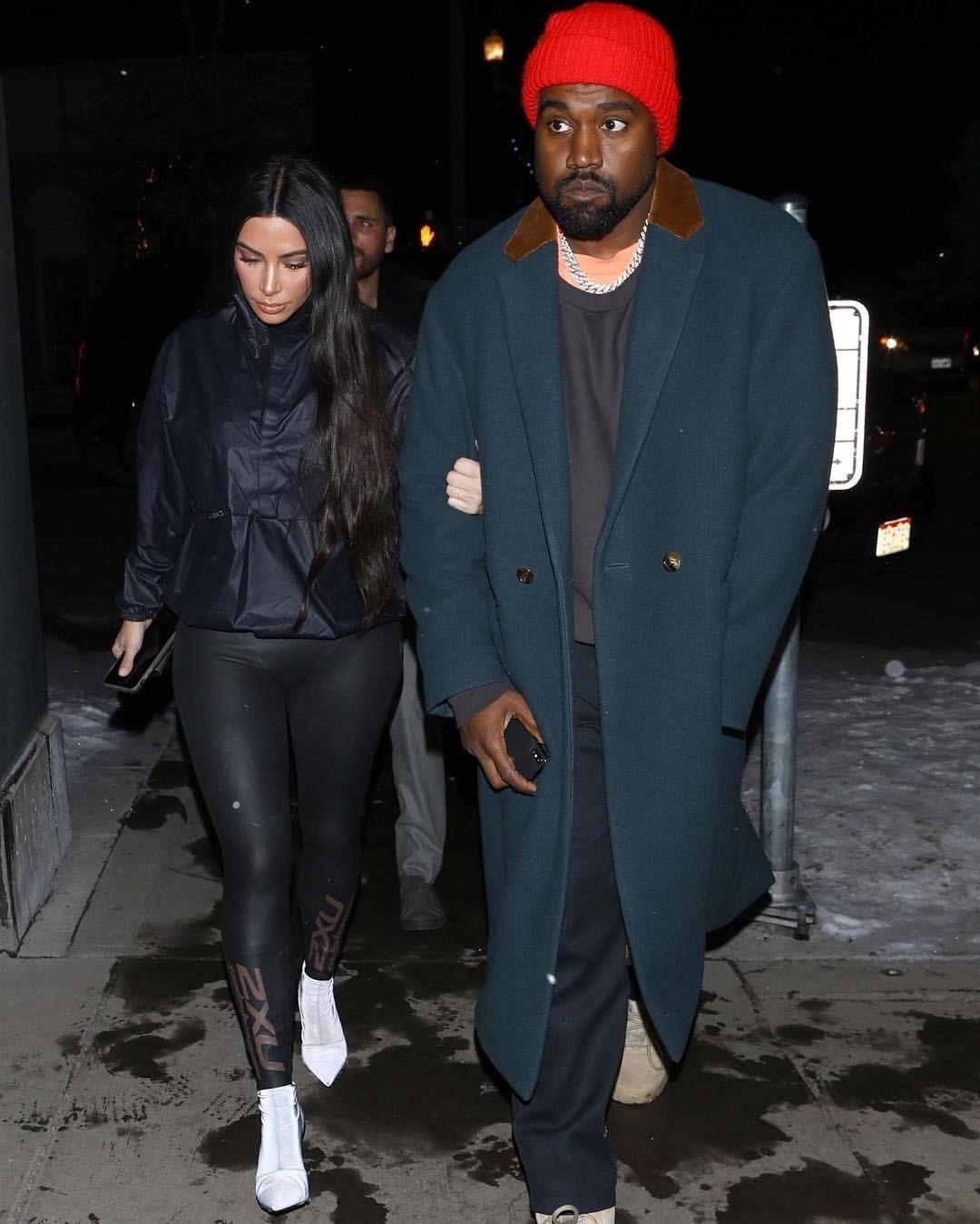Kim Kardashian Kanye West At Matsuhisa In Aspen 12 30 Kim Kardashian Et Kanye West A Ma Kanye West Style Kim Kardashian Kanye West Kim Kardashian And Kanye