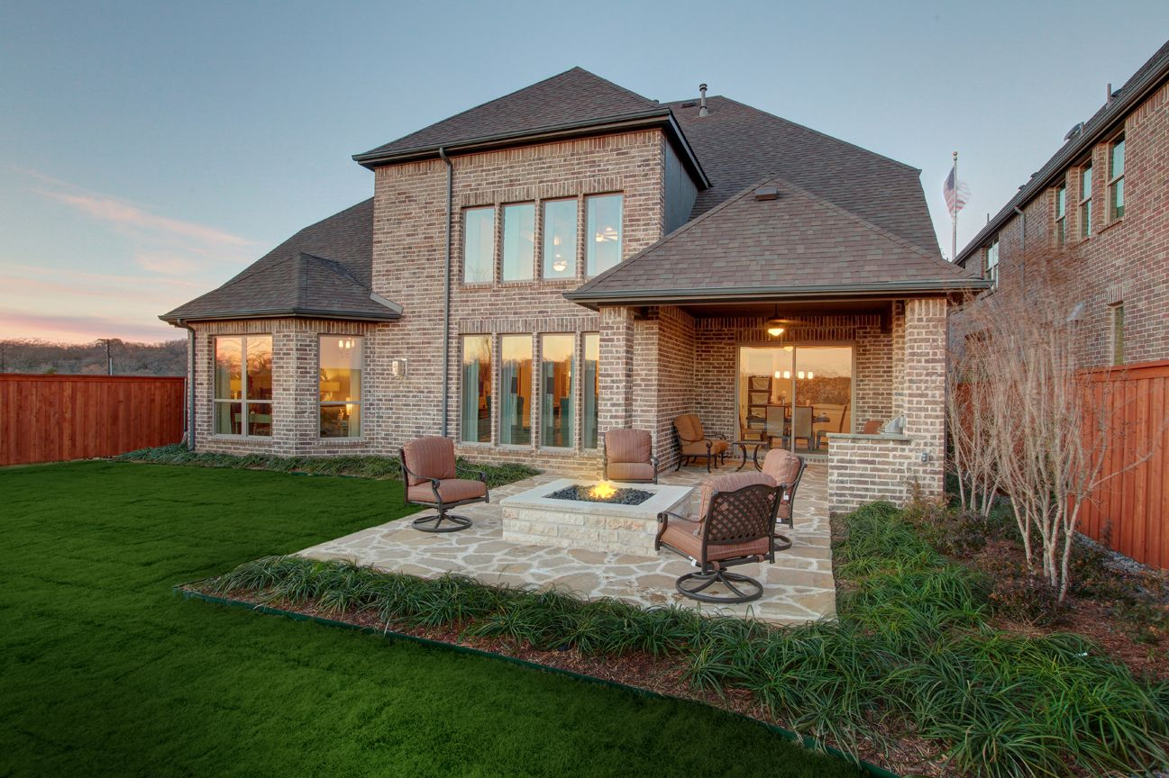Lakeside DFW model home in Flower Mound, Texas outdoor
