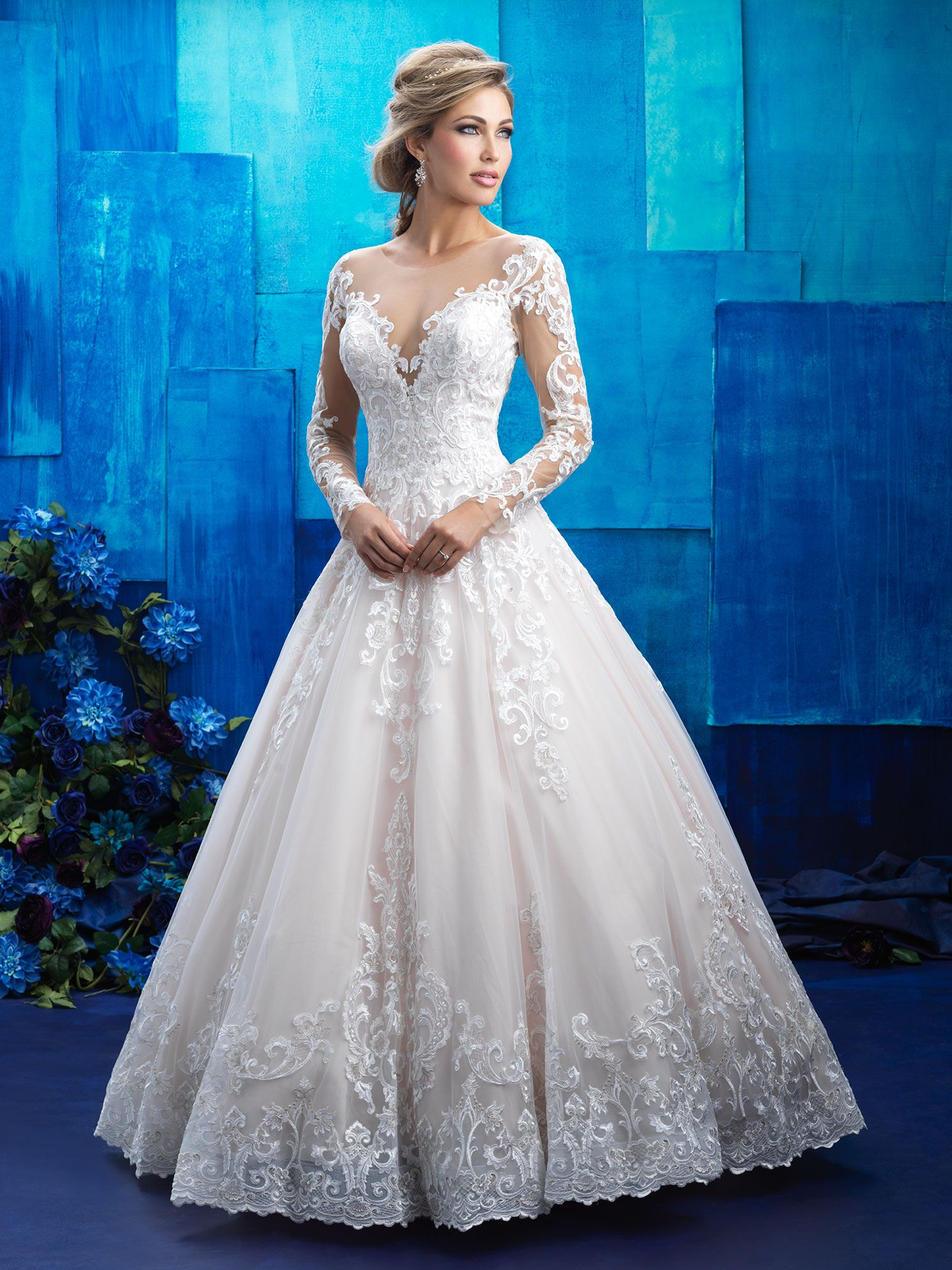 Romantic and regal 78b1ab2d4a12