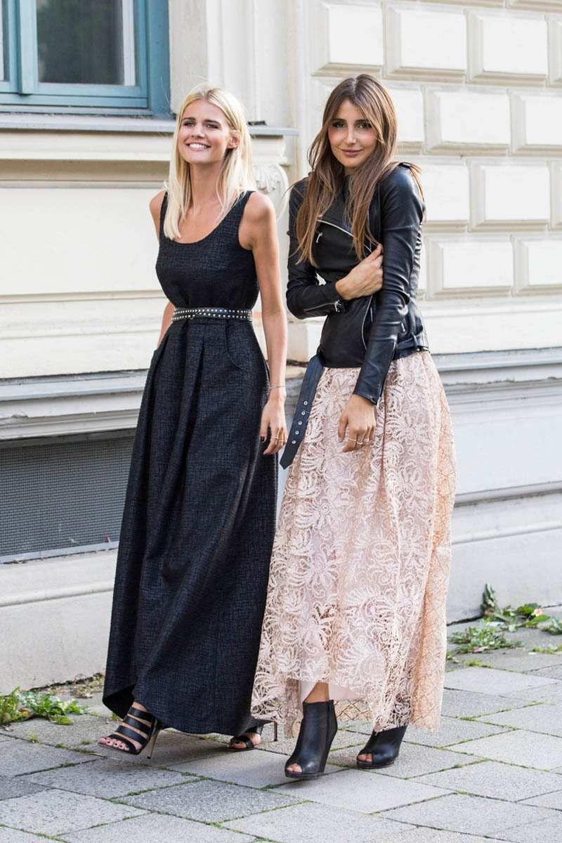 inspiração street style vestido longo preto, saia longa de renda com jaqueta de couro preta