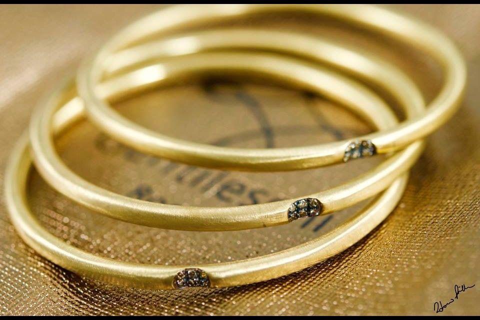 Gentileschi #LeBronzerie  Bracciali in Bronzo e diamanti Champagne Bronze Bangles and Champagne Fancy Color  Diamonds