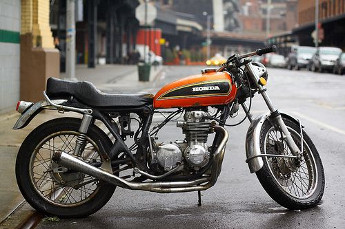 I M Not A Motorcycle Guy But This Retro Ish Honda Is Pretty Cool