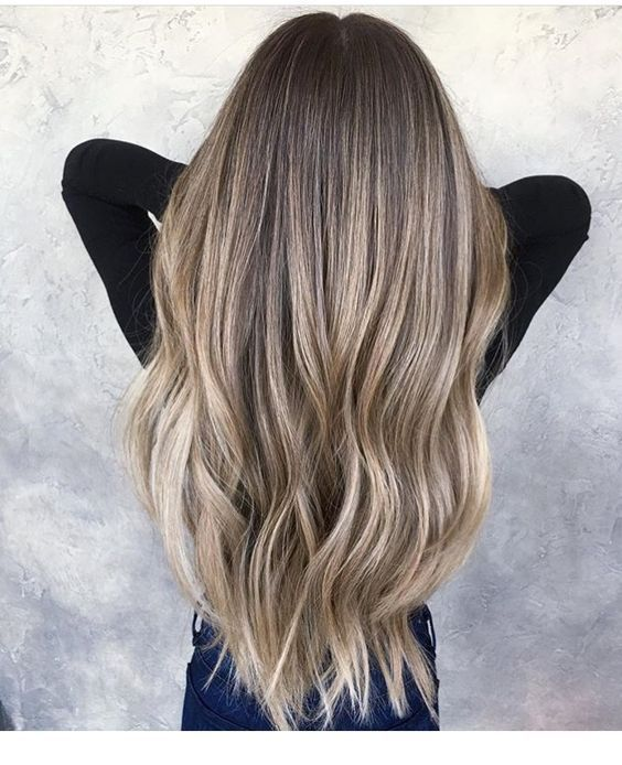 Light ash blonde balayage | Inspiring Ladies #ashblondebalayage Light ash blonde balayage | Inspiring Ladies #lightashblonde