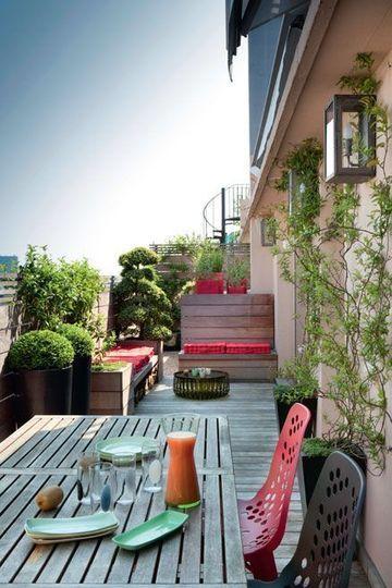 Une Terrasse Contemporaine Qui Voit Rouge Krov Terrasse