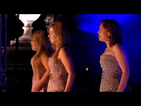 Most awesome version of Amazing Grace ever! Celtic Women.