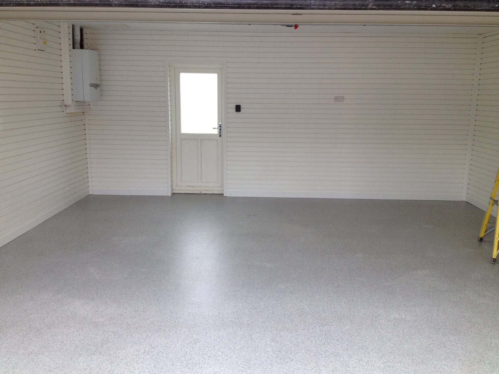 Marvelous A Beautifully Seamless Resin Floor In A Lovely Light Grey Creates A Clean  And Crisp Finish To The Garage. Light Bounces Off Of The Walls And Floor To  Create ...
