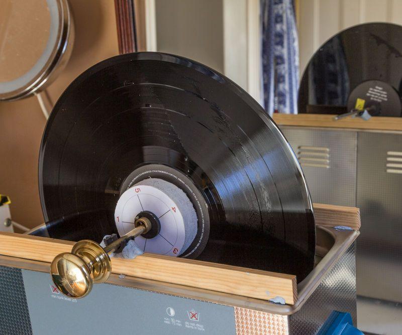Vinyl Record Cleaning With An Ultrasonic Cleaner Platten Aufbewahren Schallplatten Plattenspieler