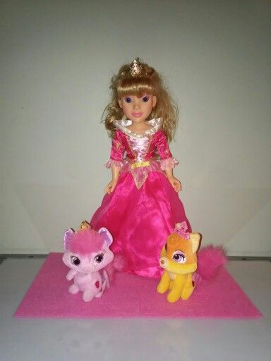 Palace Pet Centerpiece Princess Me Aurora With 6 Plush Palace