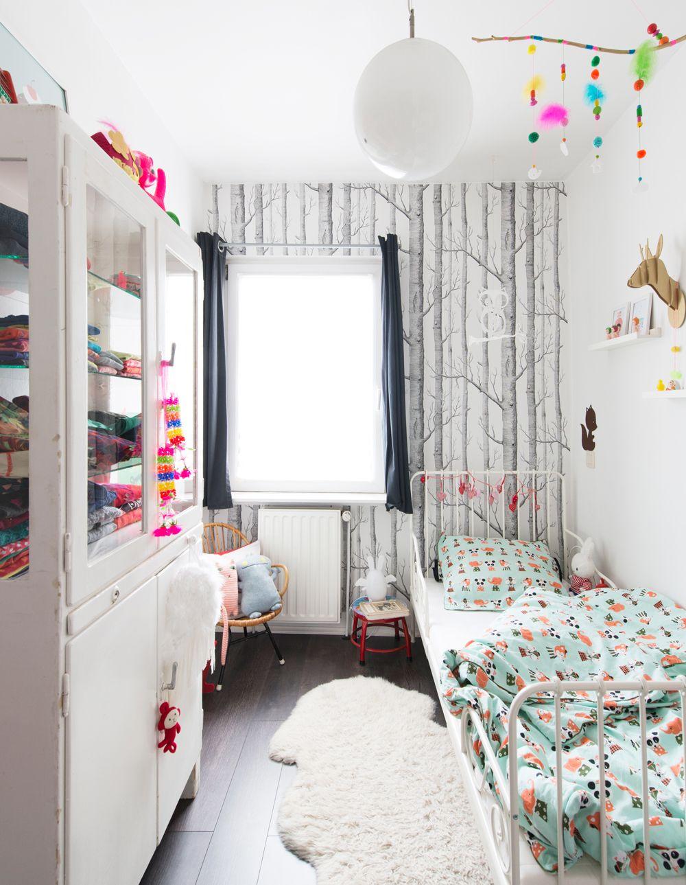 Cole And Son Wallpaper In Children S Room Girls Bedroom Wallpaper Cole And Son Wallpaper Wood Wallpaper Bedroom