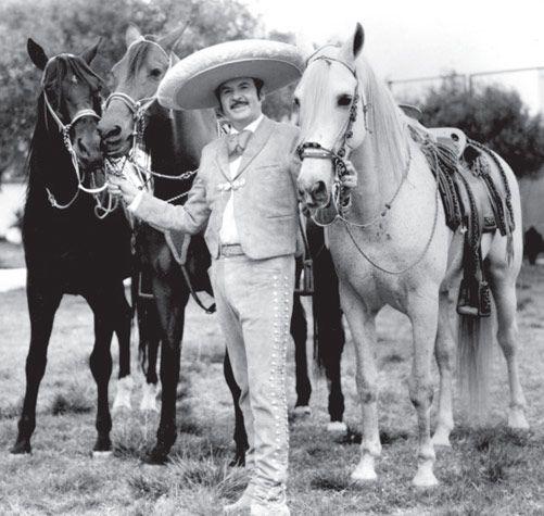 Antonio Aguilar y sus caballos.  4ad83d98963