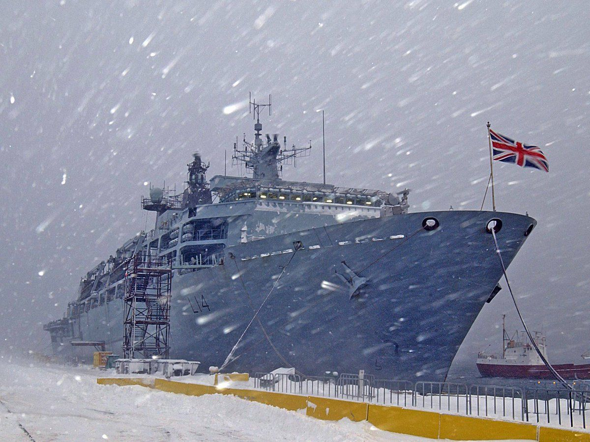 Today's @RoyalNavy #AdventCalendar image - HMS ALBION berthed alongside in a cold, wintery Halifax, Nova Scotia, Canada for her port visit. https://t.co/FJcW4ntnxy