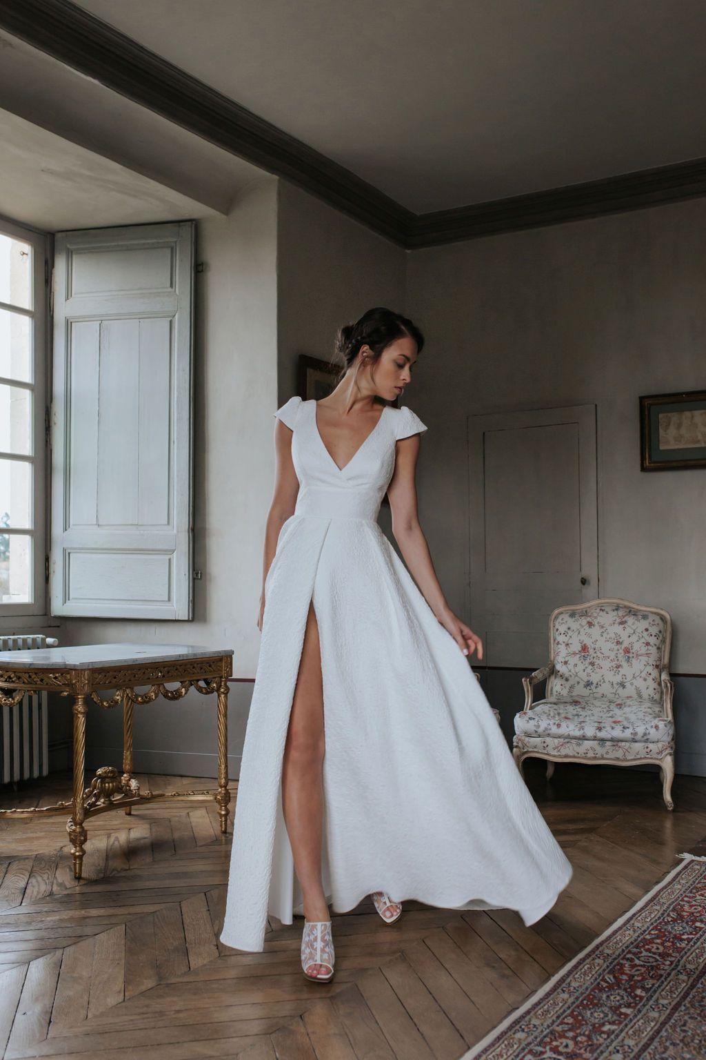 Collection Vallery In 2020 Wedding Dress Necklines Necklines