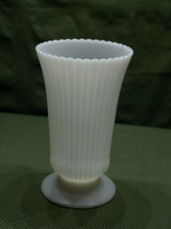 Eo Brody Co M5000 White Milk Glass Vase By Myoldattractions