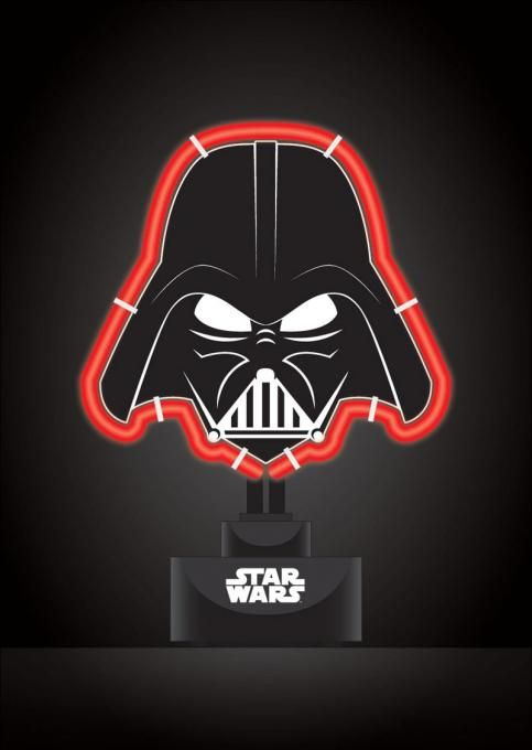 Lámpara Neón silueta Darth Vader 19 x 24 cm. Star Wars Estupenda lámpara decorativa con la silueta de Darth Vader de 19 x 24 cm, uno de los personajes vistos en la saga de Star Wars y 100% oficial y licenciada. Es perfecta como regalo.
