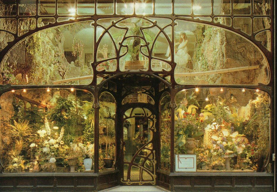 It's photographs like this that stop me in my tracks when I'm browsing the internet, and I'm always saving them away in some folder that I never do anything with– until today! The time has come to unload my favourite art nouveau stunners on you. Let's start with this flower-shop in Brussels, designe #artphotography #darkart