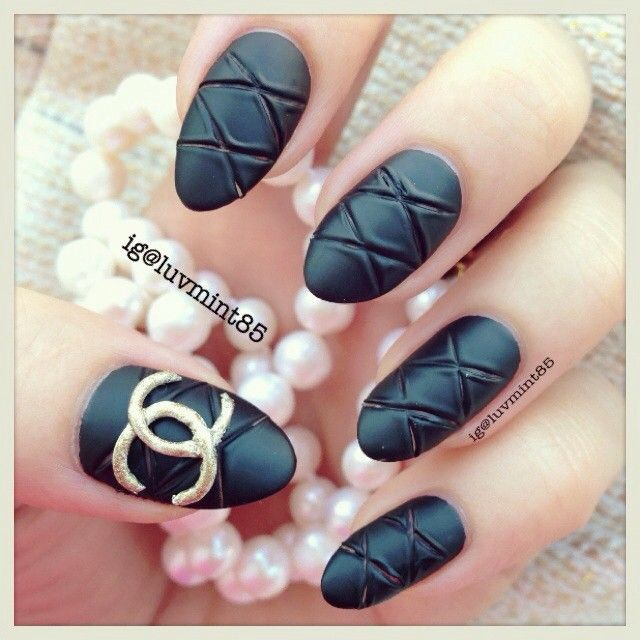 Matte Quilted black nails inspired by Chanel #blacknails ...