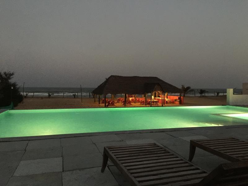 Silversands Beach Resort Mahabalipuram Stop At Silversands Beach Resort To Discover The Wonders Of Mahabalipuram Featuring A Com Beach Resorts Hotel Resort