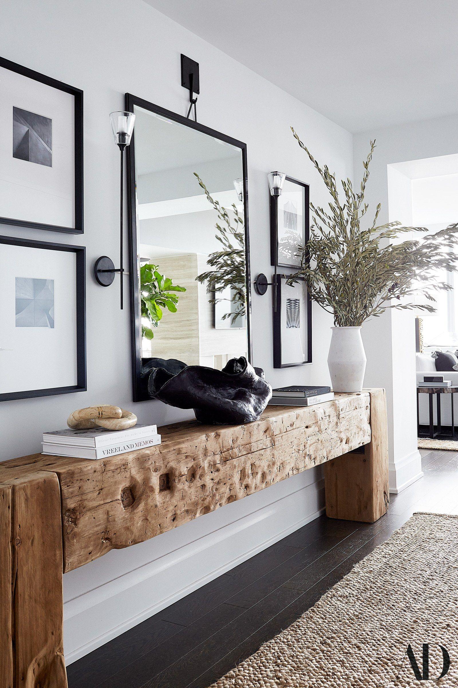 Kerry Washington Transforms a Bare Apartment Into a Cozy Family Home #hallway