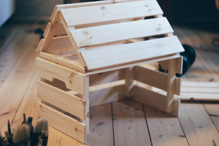 Photo of #Ikeahack: DIY building instructions for a farm tractor shed from Ikea Knagglig Kisten ⋆ Mamahoch2