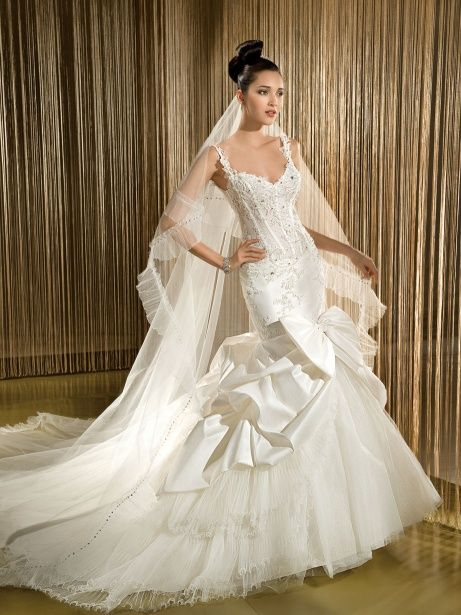 tulle and lace fitted wedding dress pick up