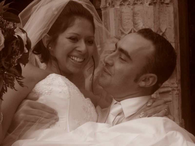 Diana, a Latina New Yorker with Ecuadorian roots, married to a Frenchman - yes, he proposed at the top of the Eiffel Tower!